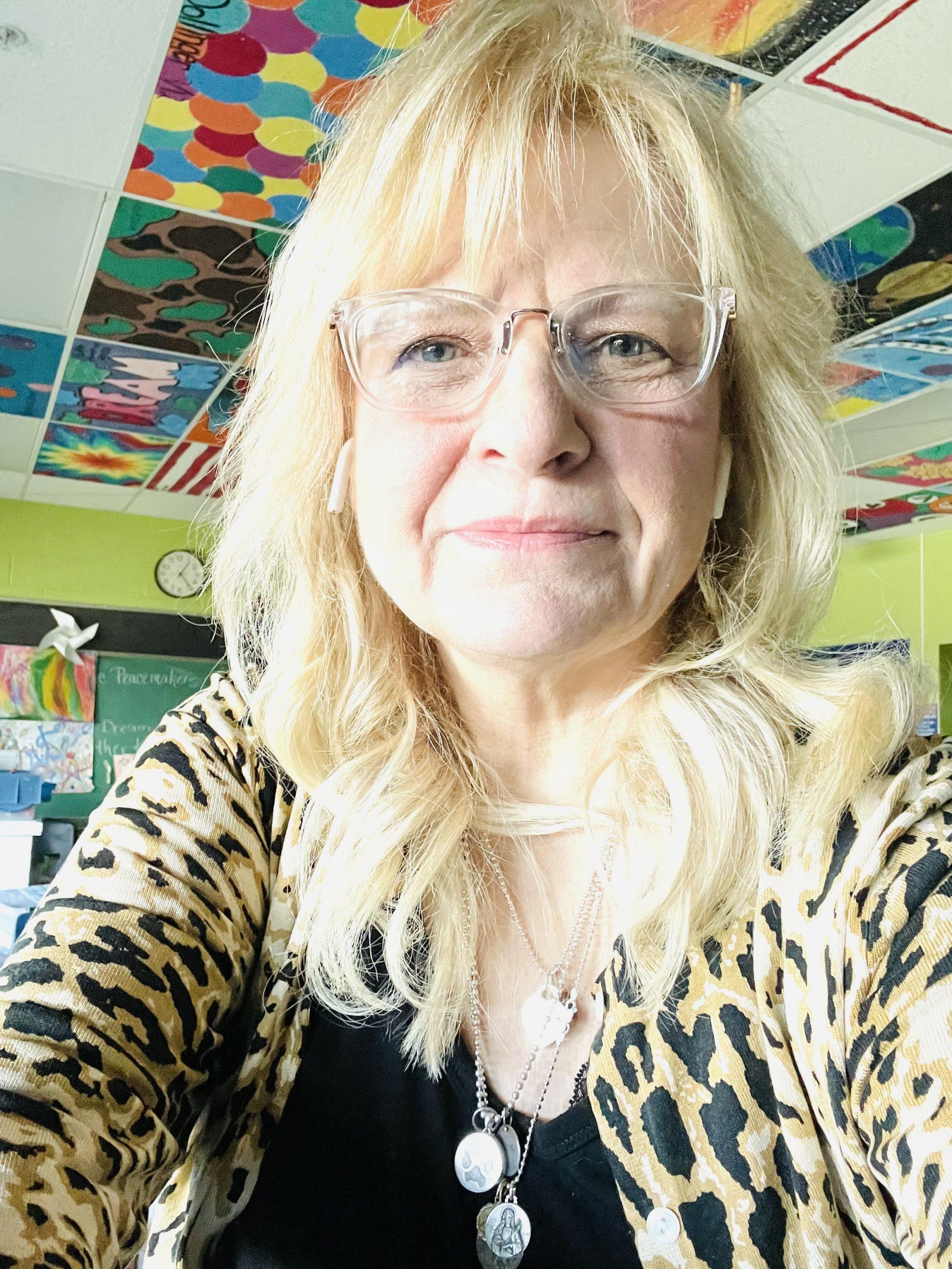 Mary Reineke : Art Teacher
